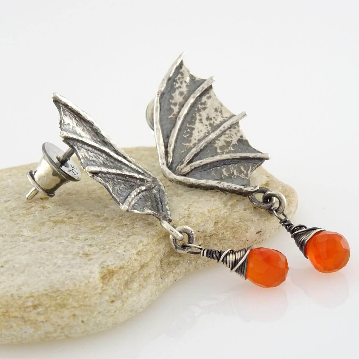 Kolczyki Dragon Wings z łezkami karneolu