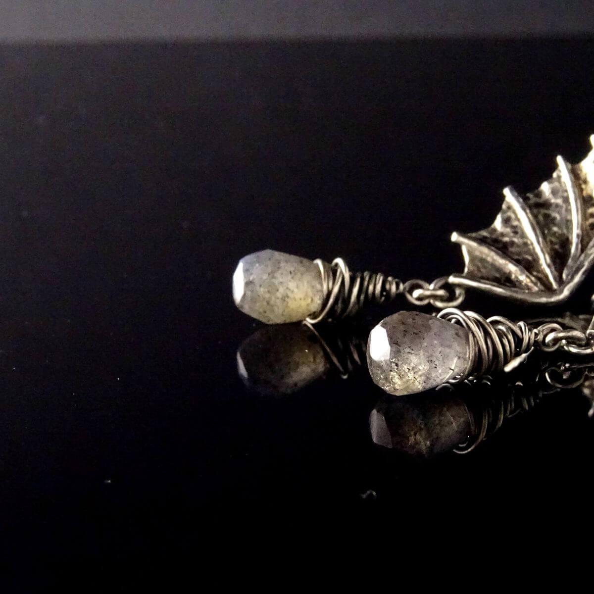 Kolczyki Dragon Wings z łezkami labradorytów