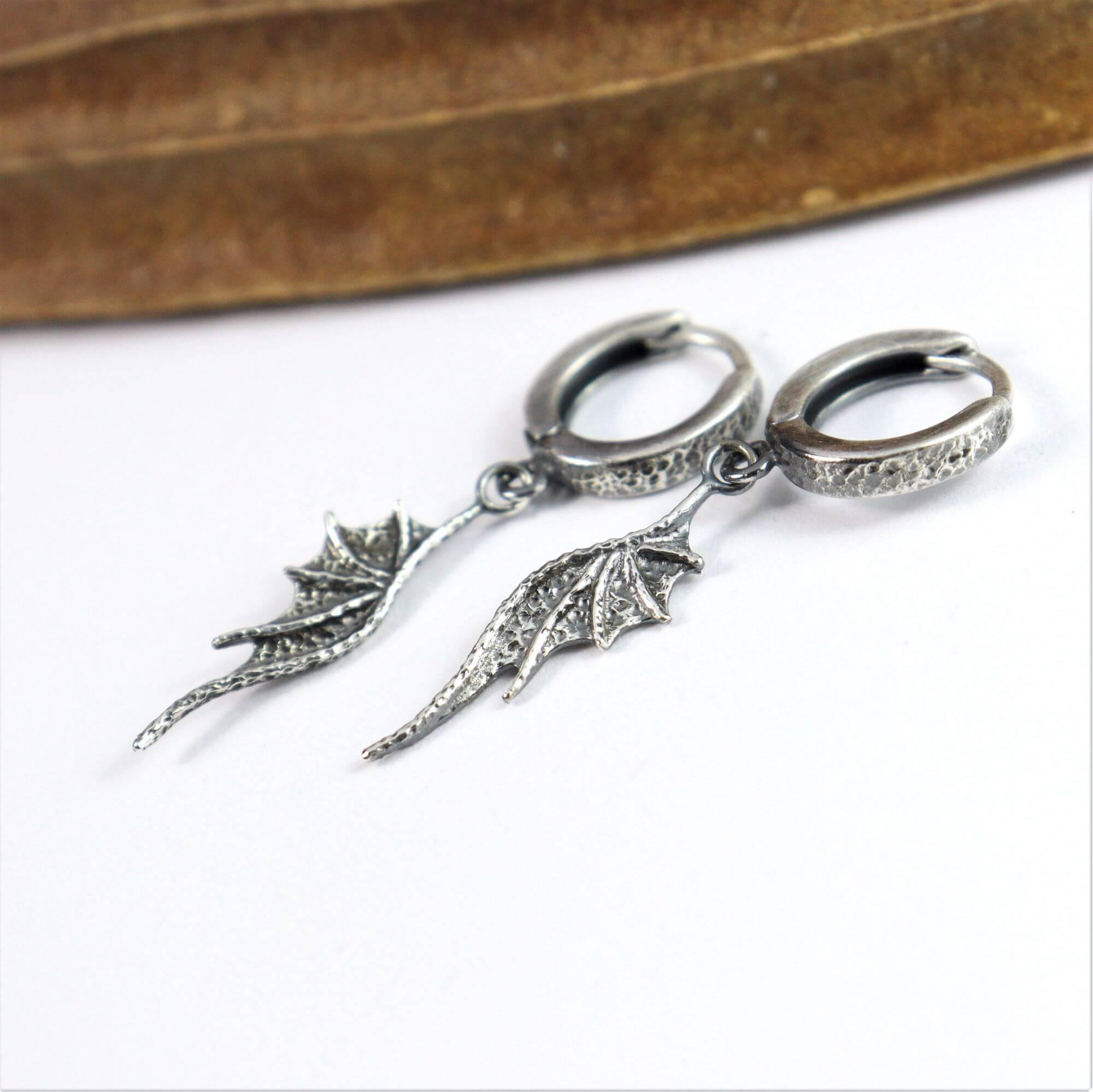 Kolczyki Long Dragon Wings Mini na biglach