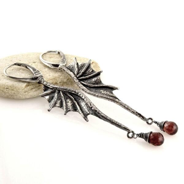 Kolczyki Long Dragon Wings z granatami