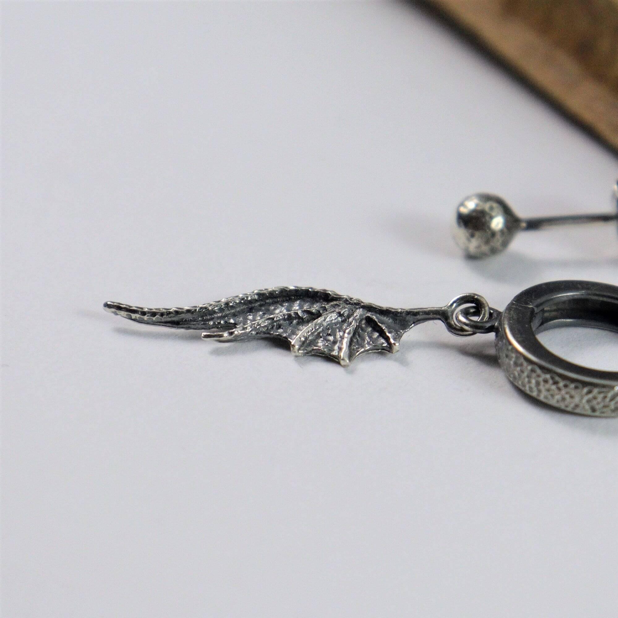 Asymetryczne kolczyki Long Dragon Wings Mini